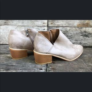 Shoes - NEW Boutique Tan Booties Size 10 & 12  (40 and 42)